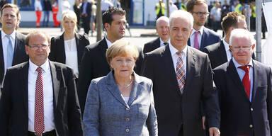 Merkel in Heidenau mit Pfiffen empfangen