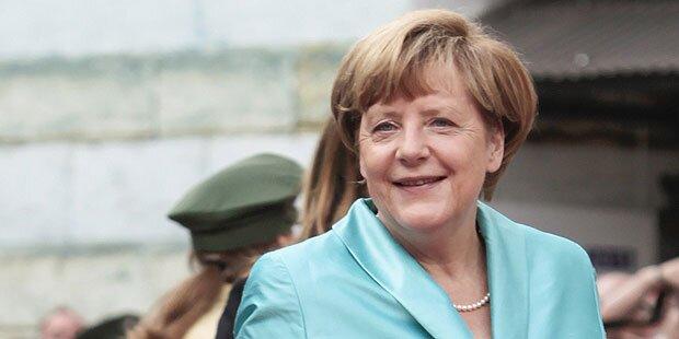 Anti-Asyl-Partei greift Kanzlerin an