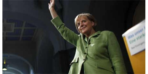 Flashmob stört Merkel-Rede