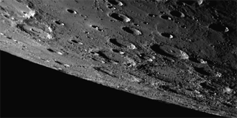 Sonde umkreist den Planeten Merkur