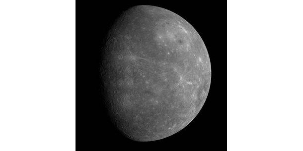 Raumsonde bringt neue Bilder vom Merkur