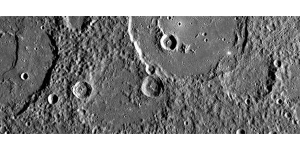 """""""Messenger"""" fotografiert letzte unbekannte Gebiete des Merkur"""