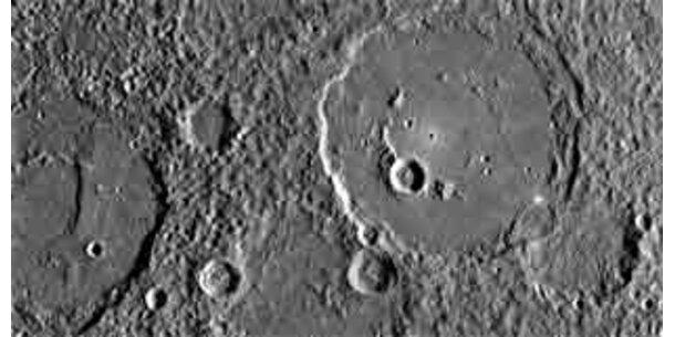 """""""Messenger"""" sendete spektakuläre Bilder vom Merkur"""