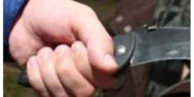 Messerattacke auf offener Straße