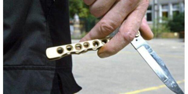 19-jähriger stach Freund mit Messer nieder