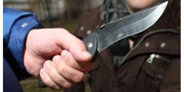 Mann ging mit Messer auf 16-Jährigen los