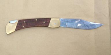 27-Jährige sticht Cousin Messer in den Rücken