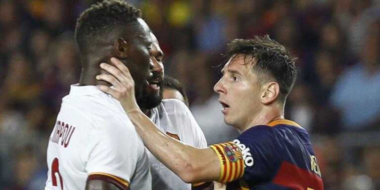 Messi rastet aus: Würgegriff und Kopfstoß