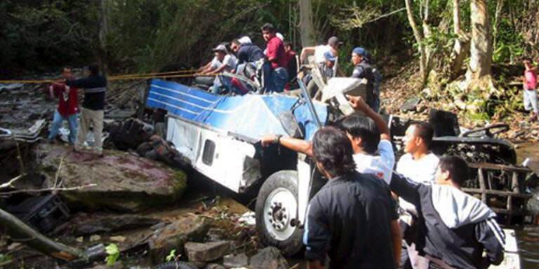 Mindestens 31 Tote bei Busunglück in Mexiko