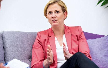 Meinl-Reisinger: Kampf dem Krebs