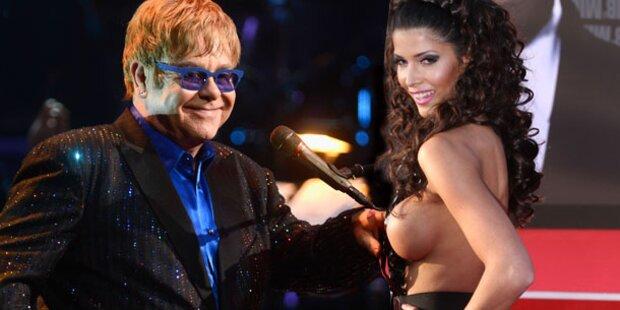 Was macht Micaela auf Eltons Party?