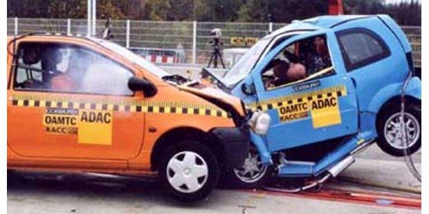 63-Jährige stirbt bei Crash mit Microcar