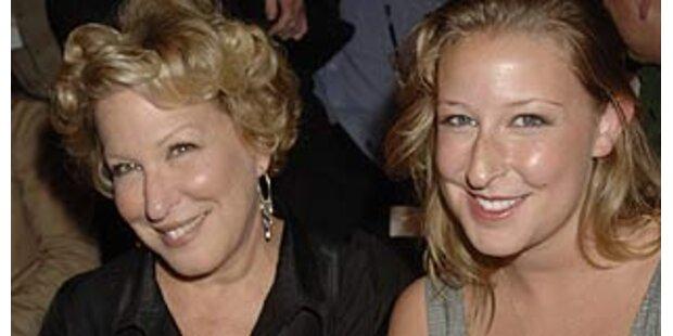 Töchter sehen aus wie ihre Mütter