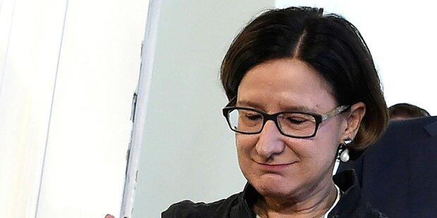 Mikl-Leitner pfeift auf EU-Kritik