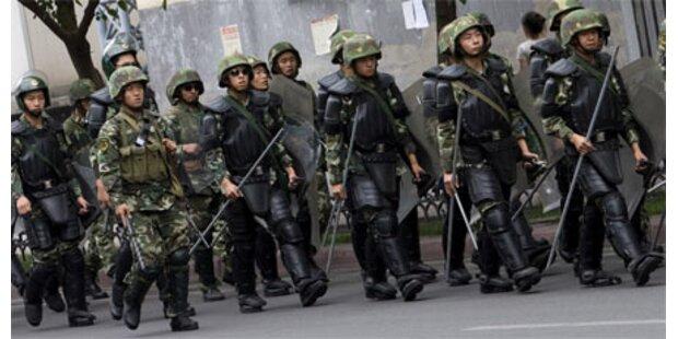 Militär zieht sich aus Urumqi zurück