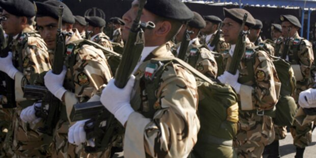 Iran: Bombe explodiert bei Militärparade
