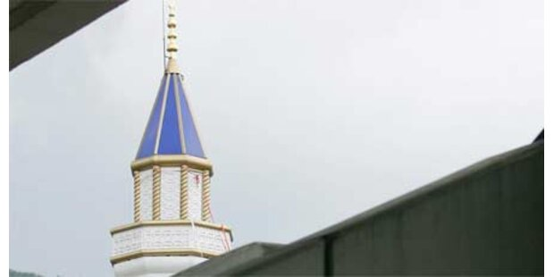 Schweizer baut Minarett auf Privat-Dach