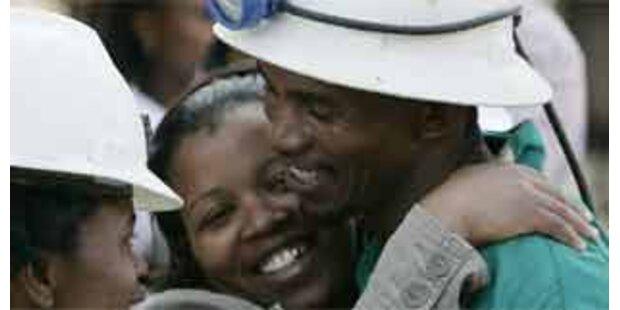 Alle südafrikanischen Kumpel gerettet