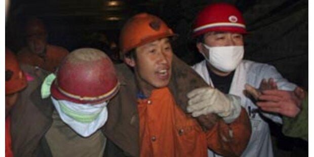 Elf verschüttete Arbeiter aßen Papier und Leder