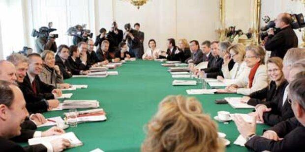 Backstage: Wie sich SPÖ und ÖVP streiten