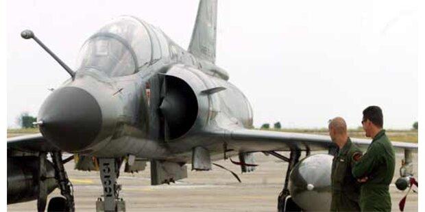 Französischer Kampfjet stürzt ins Meer