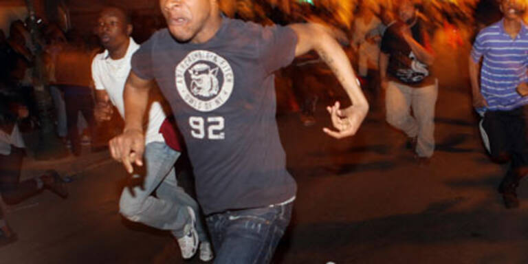 Wütender Mob lyncht Alkolenkerin