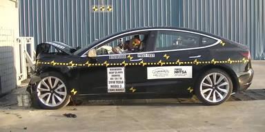 So schlägt sich das Model 3 im Crashtest