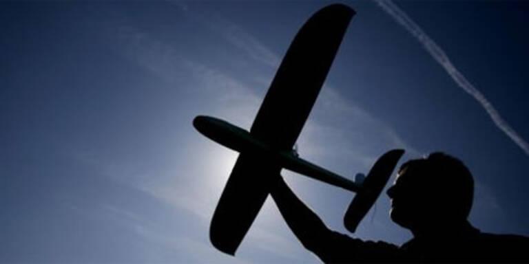 Modellflugzeug erschlägt Pensionisten