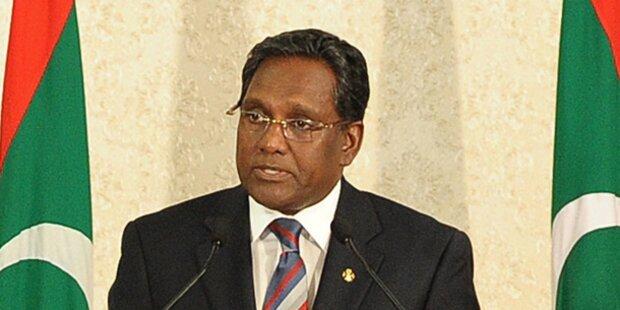 Malediven:  Präsient verließ Land vor Wahl