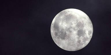 Unser Mond ist 85 Millionen Jahre jünger als wir gedacht haben