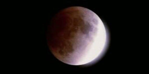 Mond spaltete sich von der Erde ab