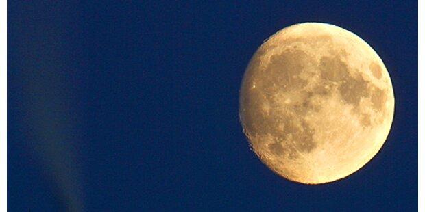 Mond rückt näher an die Erde ran
