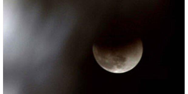 Fast unsichtbare Mondfinsternis