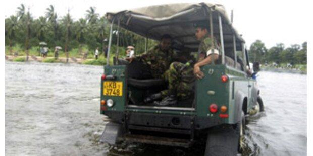 Monsun-Regen treibt Zehntausende in die Flucht