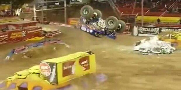 Motorsportler schafft Monster Back-Flip
