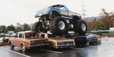Bub (6) kauft Monstertruck um 21.100 Euro bei eBay