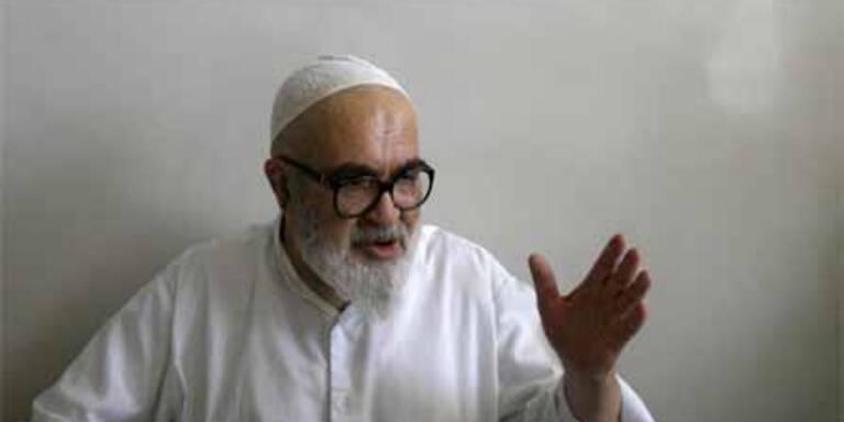 Montazeri erlässt Fatwa gegen Khamenei