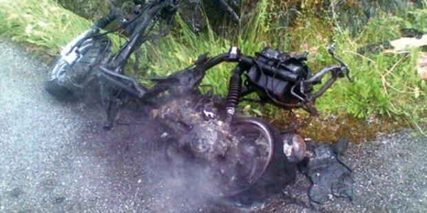 Bursche nach Mopedunfall in Lebensgefahr