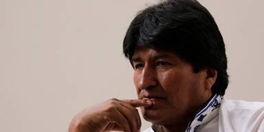 Evo Morales geht nach Mexiko ins Exil