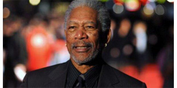 Beifahrerin klagt jetzt Morgan Freeman