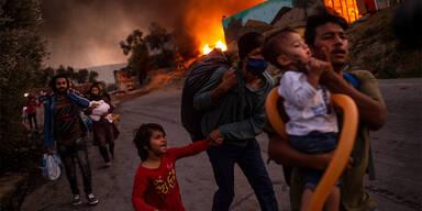 Moria: Rund 9000 Migranten im neuen Zeltlager - 213 Corona-Fälle