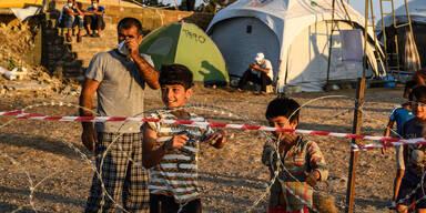 Migrant berichtet aus neuen Lager über katastrophale Zustände