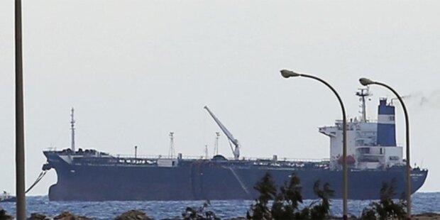 US-Marine stürmt Öltanker