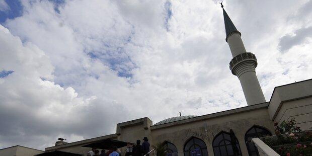 Aufregung um Islamisten in Lugner-Moschee