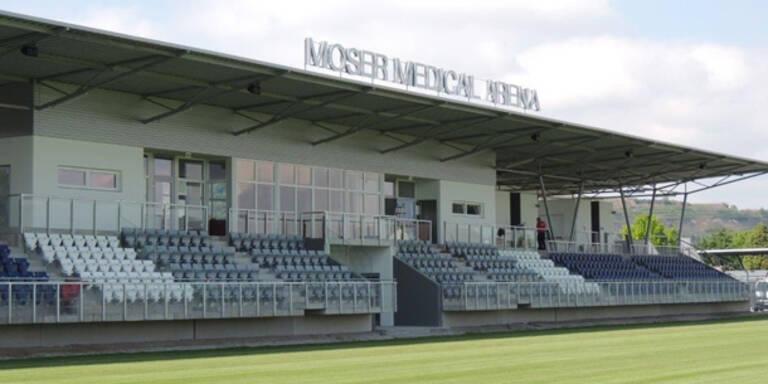 Moser Medical eröffnet Fußballstadion