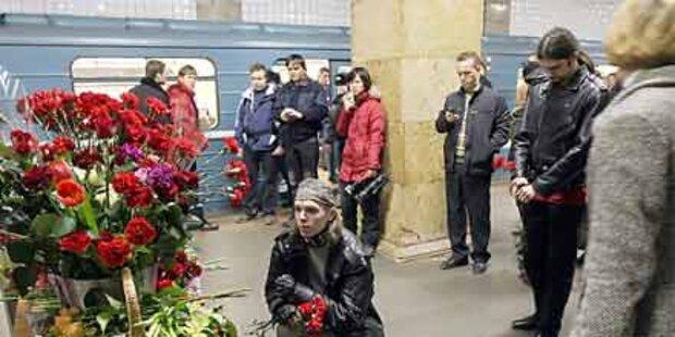 Trauertag nach Doppelanschlag in Metro