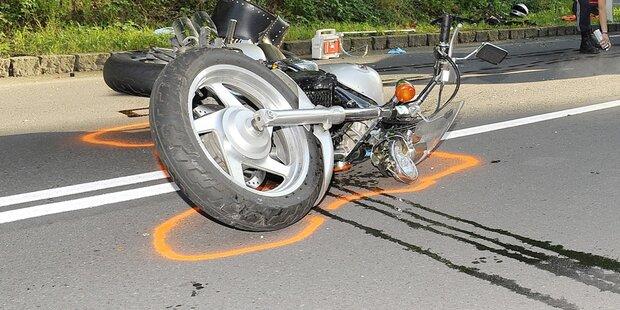 Motorradunfall in Innsbruck: 26-Jährige schwer verletzt