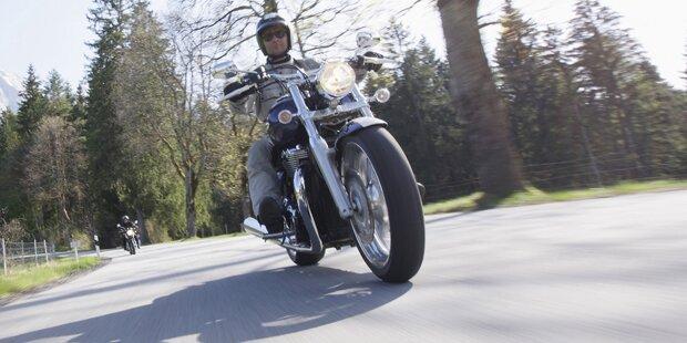 Motorrad-Hasser (74) legte Stein-Fallen