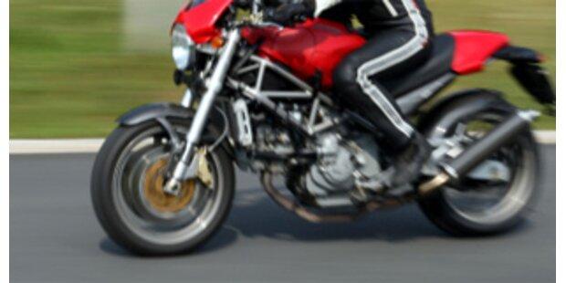 Motorradfahrer erlitt Genickbruch