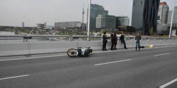 Betrunkener Motorradfahrer bei Unfall verletzt